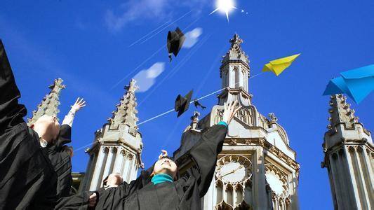 如何申请英国小学、初中、高中